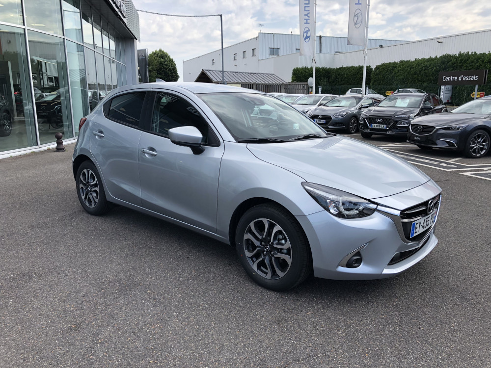 Mazda Mazda 2 1.5 SKYACTIV-G 90 Sélection Euro des Nations La Queue en Brie