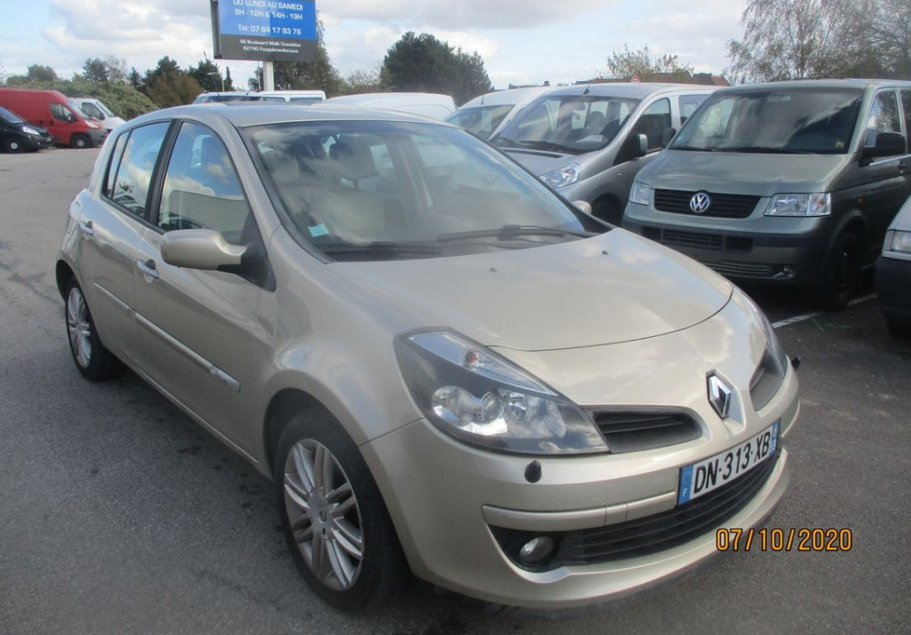 Renault Clio III initiale 1.5 DCI 105 CH BV6
