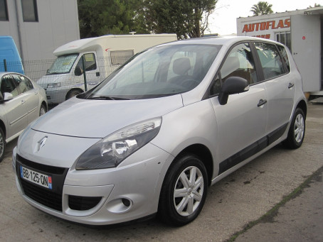 RENAULT Scenic III 1.5 dCi 95ch Authentique 92500km