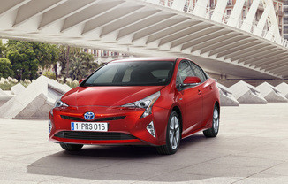 TOYOTA Prius 122h Dynamic Pack Premium Business MC19