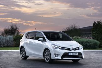 TOYOTA Verso 112 D-4D Style 5 places